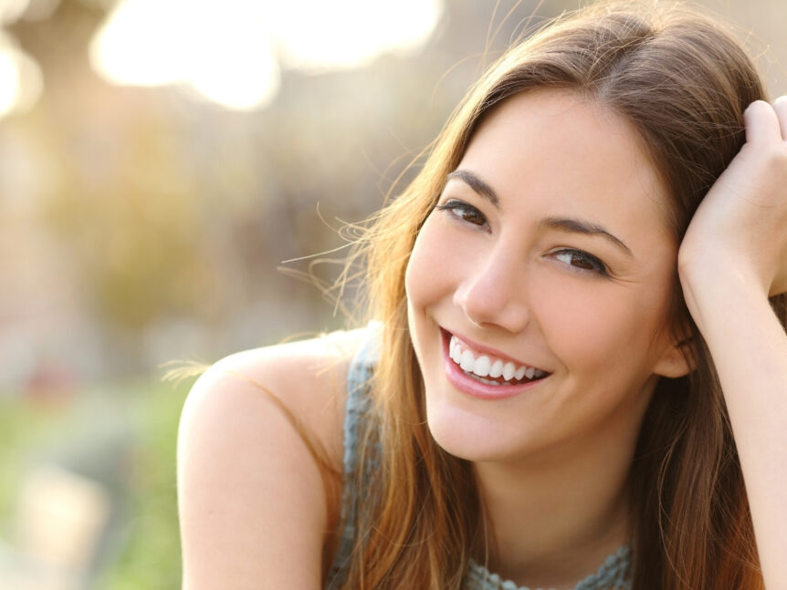 Manchas blancas en los dientes: ¿cuál es su causa y cómo eliminarlas? - Clínica Dental en Toledo | AM Odontología