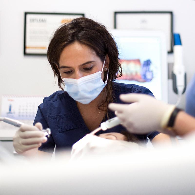 Brackets de zafiro - Clínica Dental en Toledo   AM Odontología