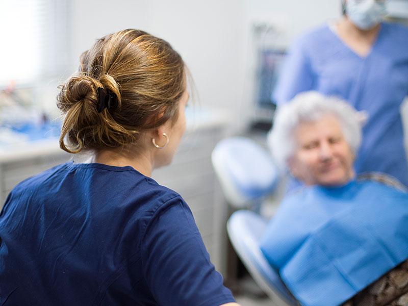 Fundas dentales - Clínica Dental en Toledo | AM Odontología